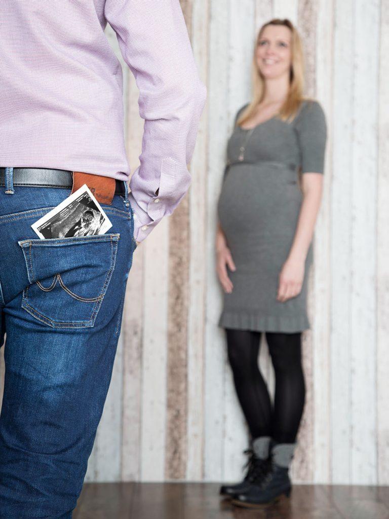 Lutterbach Fotografie Babybauch Hannover Shooting 9 768x1024 - Ellen und Thomas erwarten Nachwuchs