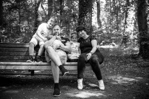 Lutterbach Fotografie Familienshooting Familie Kinder Eltern Baby Hannover Foto 11 300x200 - Lutterbach Fotografie_Familienshooting_Familie_Kinder_Eltern_Baby_Hannover_Foto (11)