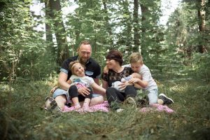 Lutterbach Fotografie Familienshooting Familie Kinder Eltern Baby Hannover Foto 4 300x200 - Lutterbach Fotografie_Familienshooting_Familie_Kinder_Eltern_Baby_Hannover_Foto (4)